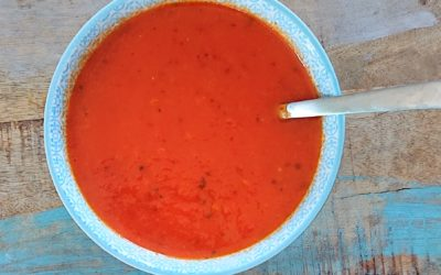 Tomaten-paprika soep