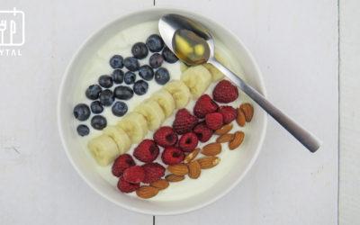 Kwark met fruit en amandelen